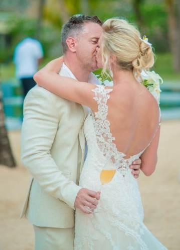 Mauritius Best Wedding Photo- British, England, Beach, Hotel (149)